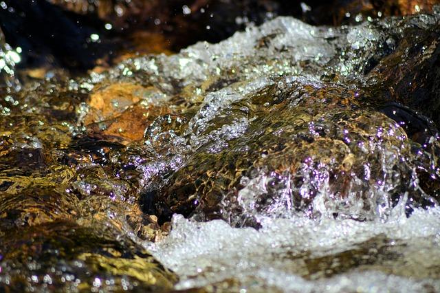 creek-214279_640