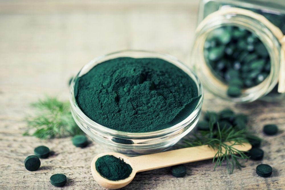 Spirulina: wat doet het met je lichaam en hoe gebruik je het?
